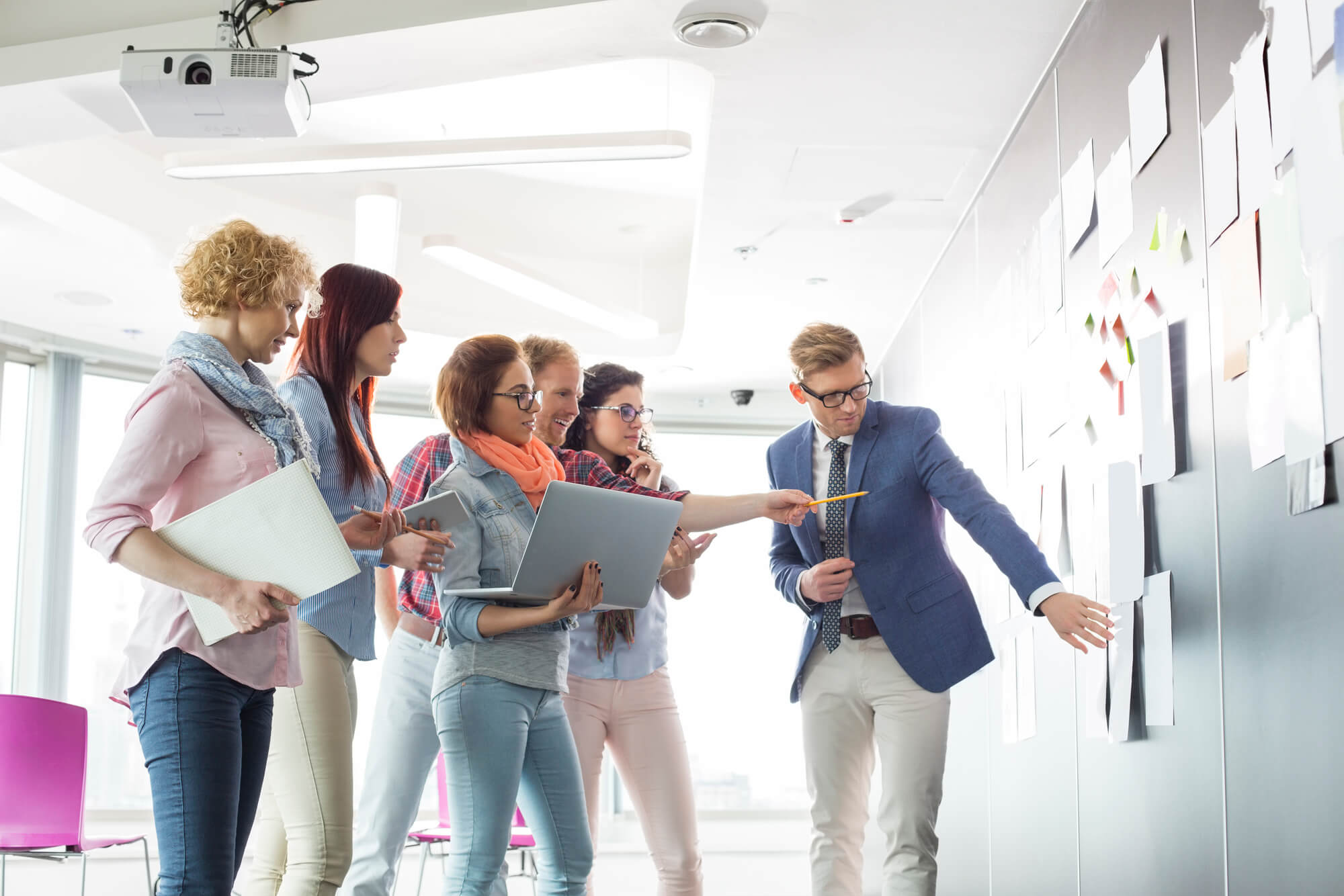 A importância da tecnologia na customização de produtos e serviços